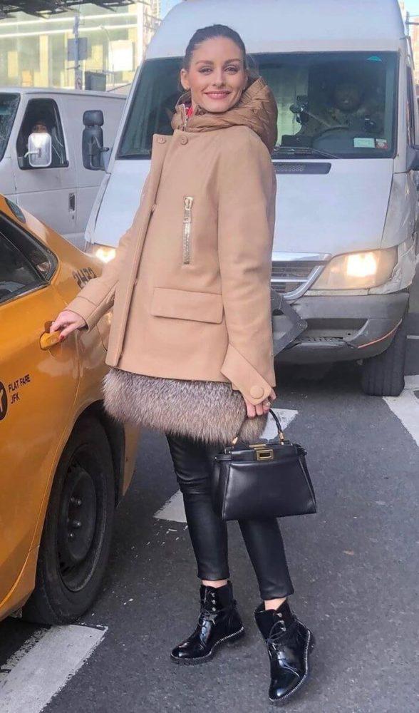 ディオールリベルアーミーブーツを着用するオリビア・パレルモ